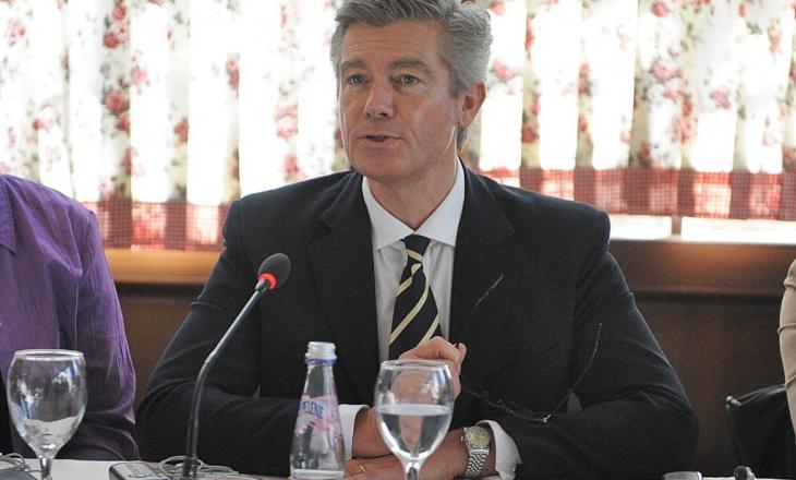 """Komisioni parlamentar vendos që ta ftojë Malcolm Simmons-in në raportim për """"shkeljet e EULEX-it"""""""