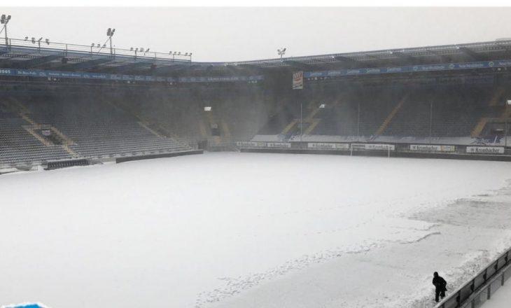 Shtyhet ndeshja në Bundesligë shkaku i kushteve atmosferike