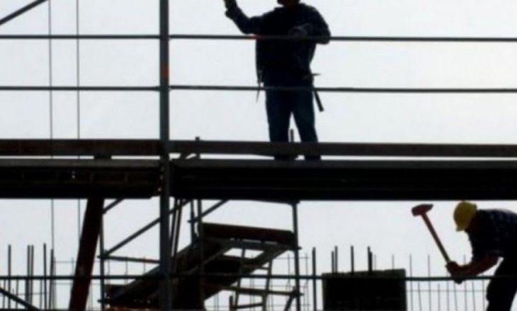 Një person dërgohet në gjendje të rëndë në QKUK, u lëndua në vendin e punës