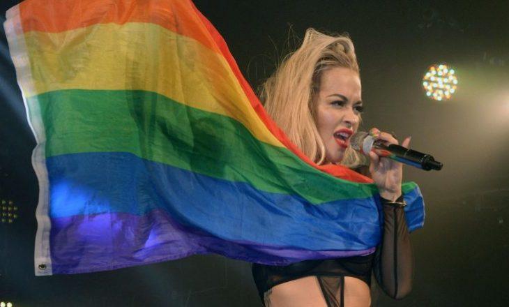 Rita Ora mbështet komunitetin LGBTI, do të këndojë në paradën e tyre në Australi