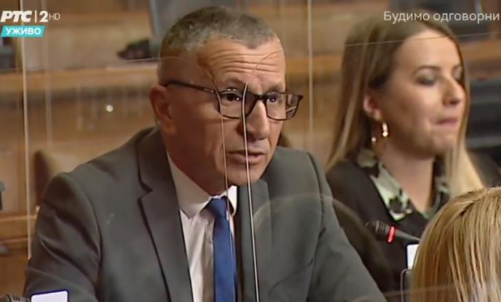"""Kamberi flet shqip në Kuvendin e Serbisë: Gjykata ka legalizuar termin ofendues """"šiptari"""""""