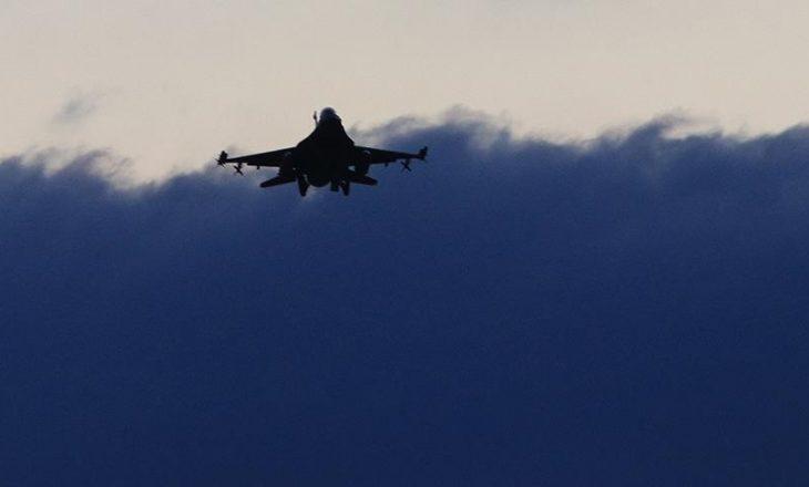 Në Alabama të SHBA-së, nga rrëzimi i një avioni ushtarak dy pilotë humbin jetën