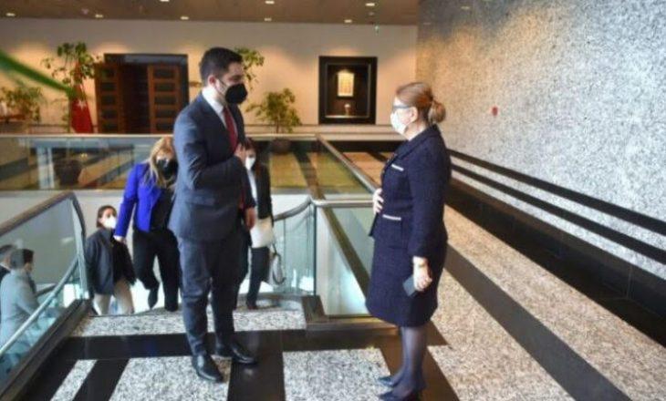 Maqedonia e Veriut modernizon marrëveshjen tregtare me Turqinë
