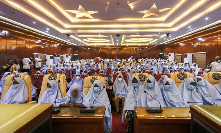 Lirohen 300 vajzat e rrëmbyera nga personat e armatosur në Nigeri