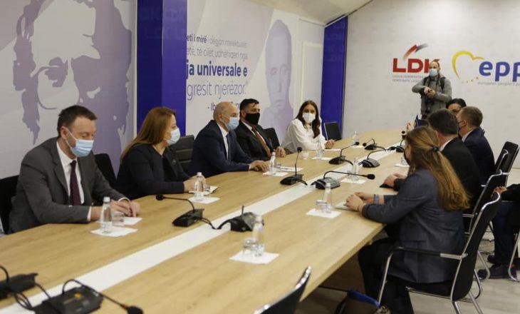 Mustafa pas takimit me Lajçakun: Kosova të mbetet e përkushtuar në dialog konstuktiv