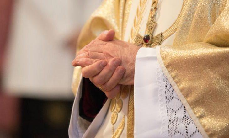 Që nga viti 1950, klerikët e Kishës Katolike mund të kenë abuzuar më shumë se 10 mijë të mitur