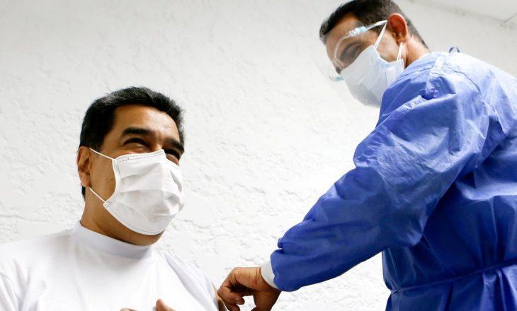 Maduro, presidenti i Venezuelës vaksinohet me 'Sputnik V' kundër Coronavirusit