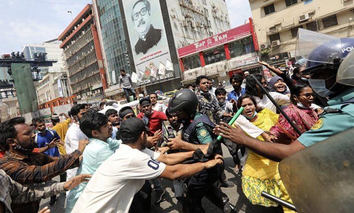 Protesta të dhunshme u përhapën në Bangladesh pas vizitës së kryeministrit indian Modi