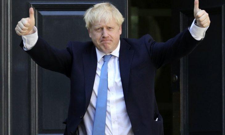 Boris Johnson do të vaksinohet me AstraZeneca