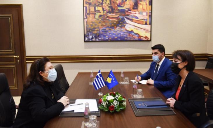 Gërvalla takohet me përfaqësuesen e Greqisë në Kosovë