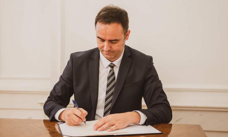 Kryetari i Dhomës së Deputetëve të Italisë uron Konjufcën