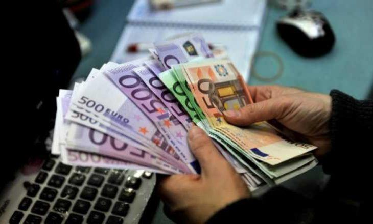 Përgjysmohen investimet e huaja në Kosovë