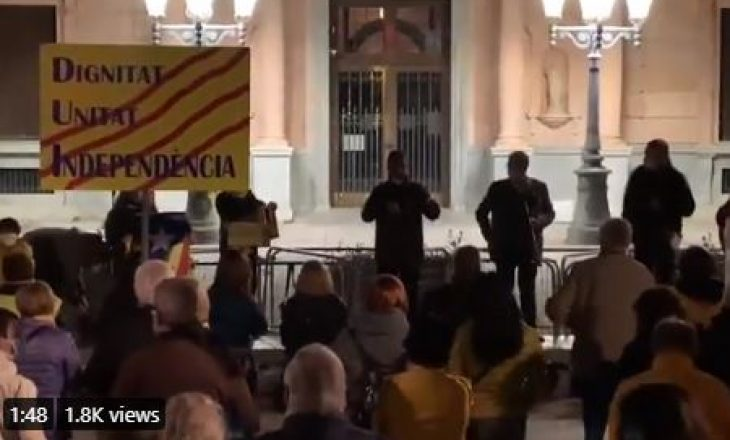 Para sfidës kundër Kosovës, në Katalonjë protestohet kundër termave që spanjollët i drejtohen Kosovës