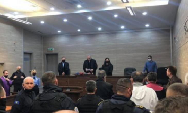 Dy të akuzuarit për krime lufte dënohen me burg efektiv