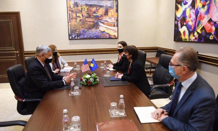 Gërvalla në takim me Kosnettin: Marrëveshja Kosovë-Serbi të mos e cenojë integritetin territorial