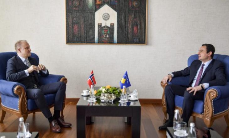 Kurti takon ambasadorin norvegjez Grondahl