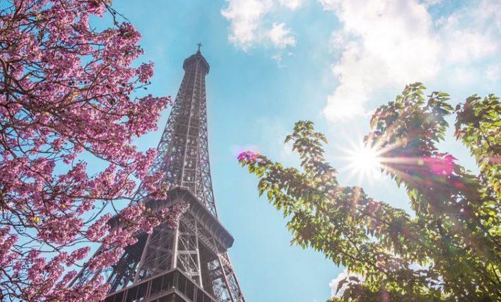 Parisi goditet me valën e tretë të COVID-19, qyteti bllokohet për një muaj