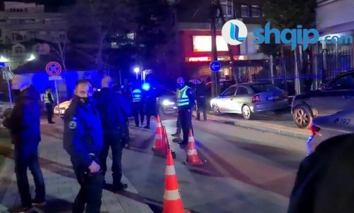 Prishtinë: Policia intervenon me sprej për ta ndërprerë një aheng për 8 mars – arrestohen katër veta, përfshirë pronarin e lokalit (VIDEO)