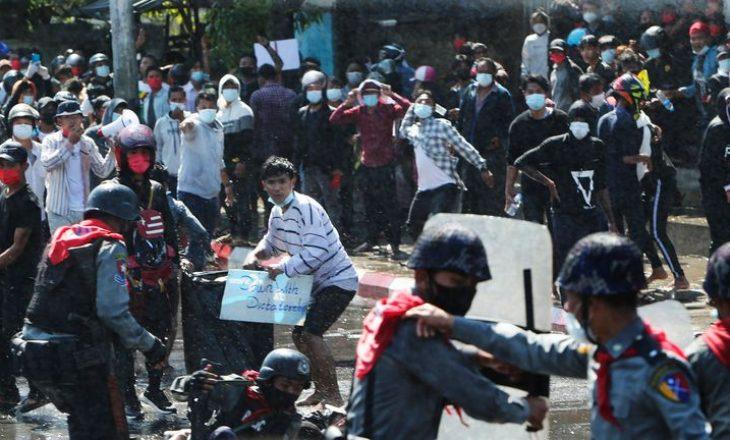 Nga protesta anti-grush shteti në Mianmar, nga dhuna e policisë regjistrohen 10 viktima