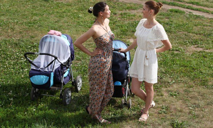 Tani në kohë me diell, mbulimi i karrocës së foshnjës suaj mund të jetë i rrezikshëm
