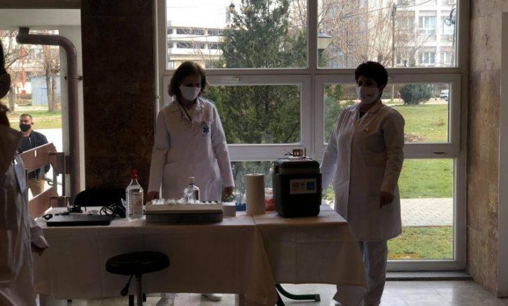 Rreth 300 persona nga personeli shëndetësor u vaksinuan gjatë të martës
