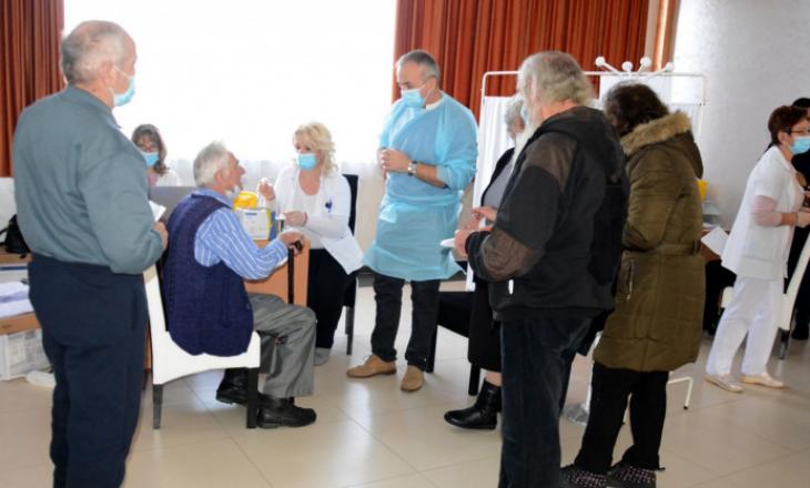 Nis vaksinimi anti-COVID për të moshuarit mbi 85 vjeç