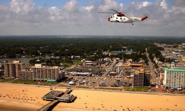 Dy të vdekur dhe tetë mbetën të plagosur nga të shtënat në brigjet e Virginia Beach në SHBA