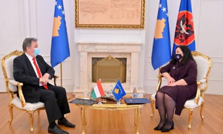 Hungaria i jep mbështetje Kosovës për liberalizimin e vizave
