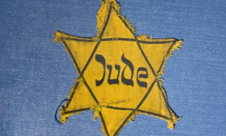Të mbijetuarit e Holokaustit përdorin mediat sociale për të luftuar antisemitizmin