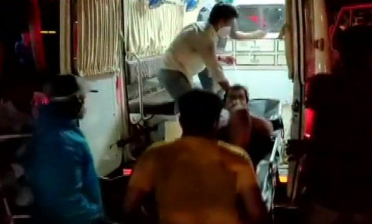 Indi: 13 të vdekur nga një zjarr që shpërtheu në një spital ku po trajtoheshin pacientët me COVID-19