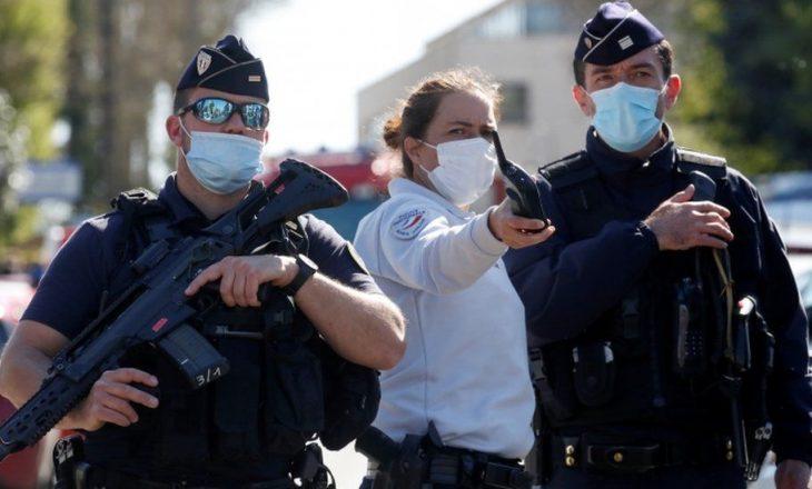 Policja franceze vdes pasi u sulmua me thikë në stacion policor