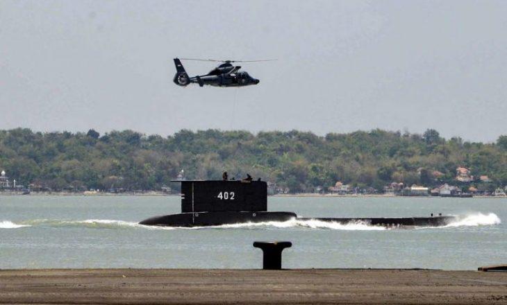 53 marinarë supozohet se kanë vdekur pasi u gjet nëndetësja e mbytur në Indonezi