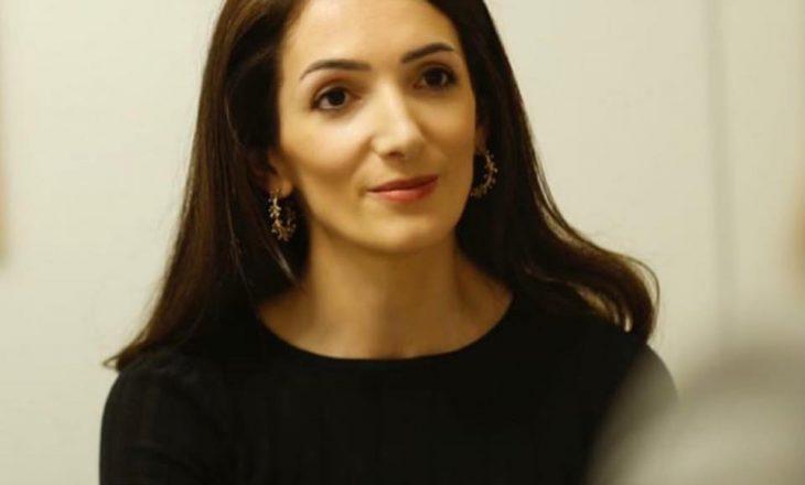 Nënkryetarja e LDK-së kritikon Kurtin se po merret me çështje të brendshme të Shqipërisë