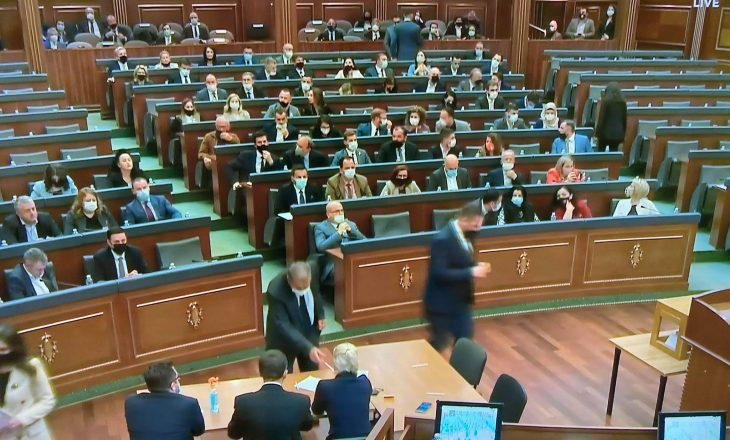 Në raundin e parë të votimit, Kuvendi nuk arrin të zgjedh presidentin e Kosovës
