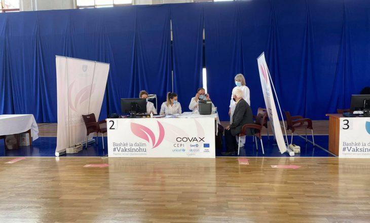 Mbi 830 të moshuar janë vaksinuar kundër COVID-19 në Prishtinë