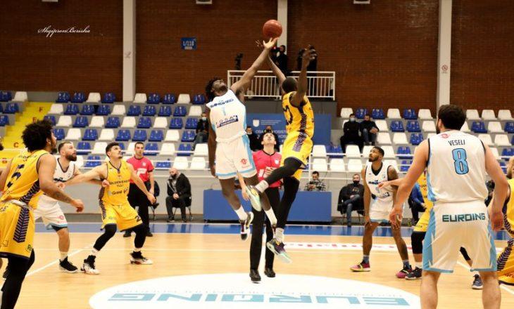 """Të dielën rikthehen garat në basketboll me ndeshjet e para gjysmëfinale në """"play-off"""""""