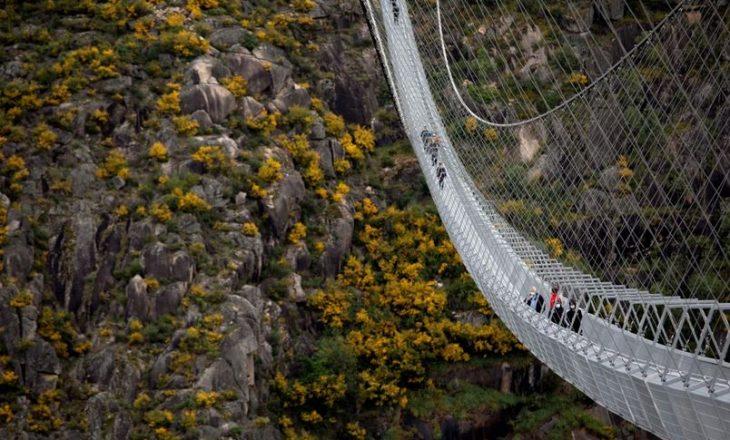 A do guxonit të ecnit në urën më të madhe në botë?