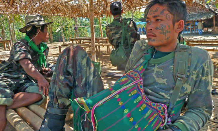 Në përleshjet mes ushtrisë së Mianmarit dhe grupeve etnike (KIA), pesë ushtarë mbesin të vrarë