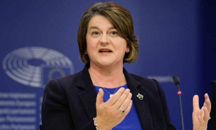Udhëheqësja e Irlandës së Veriut Arlene Foster njofton dorëheqjen