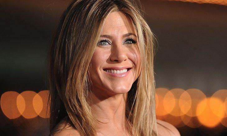 U përfol se do të adoptonte një fëmijë – reagon Jennifer Aniston