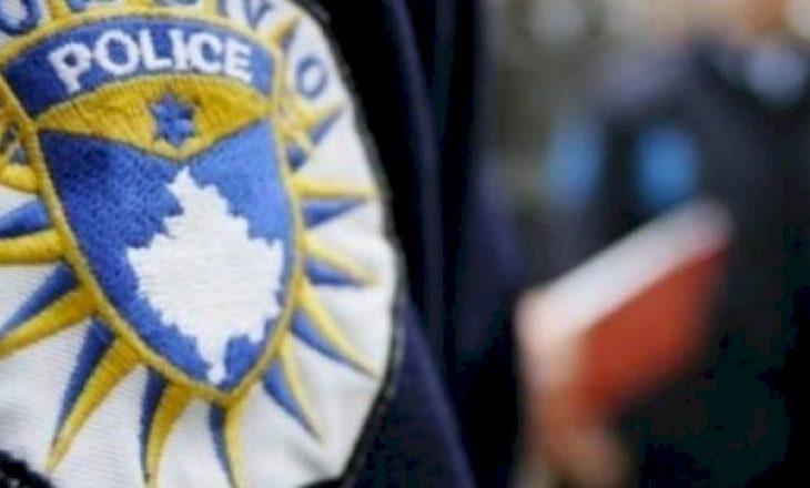 Sulmon zyrtarët policorë, arrestohet