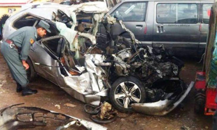 Nga një aksident rrugor në Kabul të Afganistanit, së paku shtatë persona kanë humbur jetën