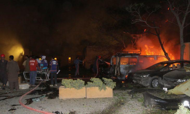 Pakistan: Katër persona mbetën të vrarë nga shpërthimi në hotelin Quetta Serena Hotel