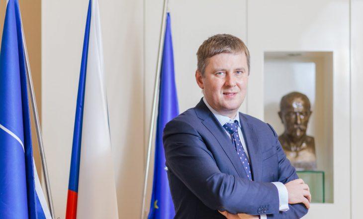 Çeki: Shkarkohet nga detyra ministri i Jashtëm Tomas Petricek