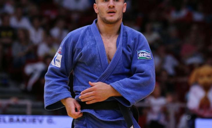 Akil Gjakova kalon në çerekfinalen e Kampionatit Evropian