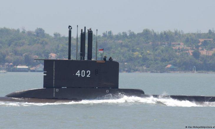 Indonezi: Si u zhduk nëndetësja me 53 persona në ekuipazh?