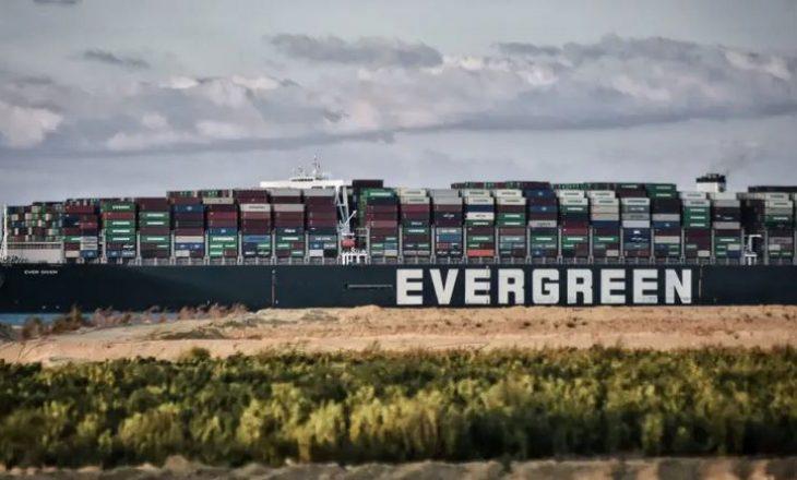 Anija u zhbllokua por vazhdon të jetë e ngujuar në Kanalin Suez për këtë arsye