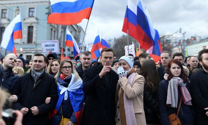 Pak para protestës në Rusi, policia arreston bashkëpunëtorët e ngushtë të Navalny