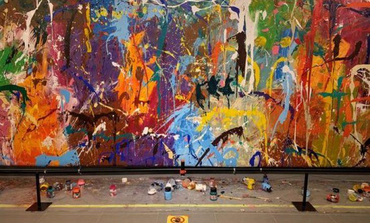 Një çift pikturon aksidentalisht mbi veprën e artit me vlerë 500,000 dollarë