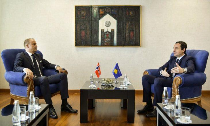 Kurti nënshkruan memorandum mirëkuptimi me ambasadorin e Norvegjisë